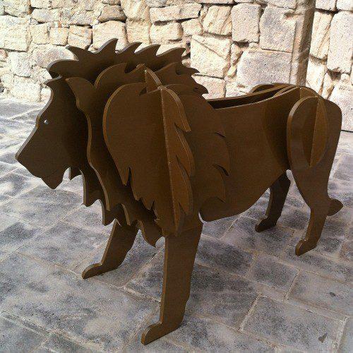 Modern sculpture of lion