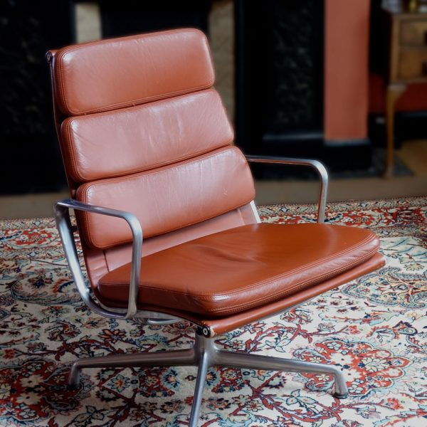 vitra eames soft pad chair