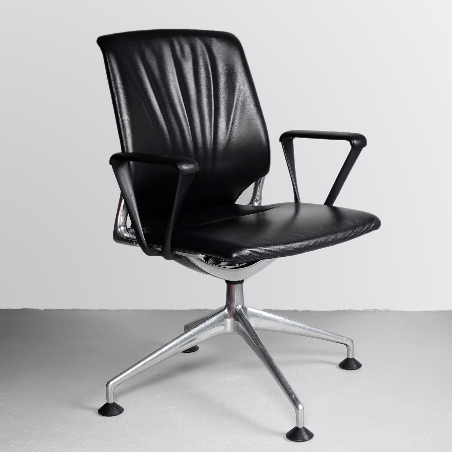 Vitra Meda Conference Chair 20th Century Classics